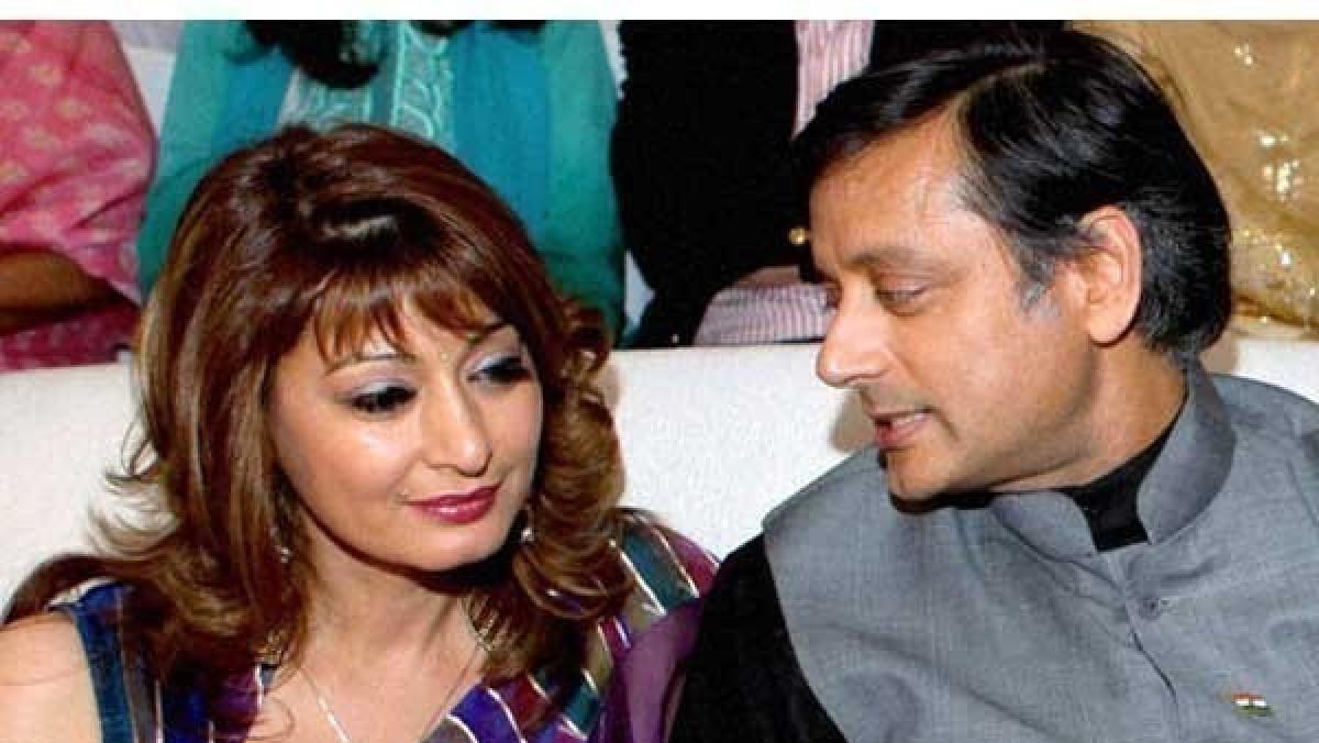 Congress leader Shashi Tharoor and his wife Sunanda