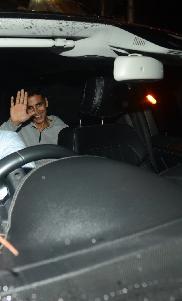 Akshay Kumar later in the evening was snapped again post a dubbing session.