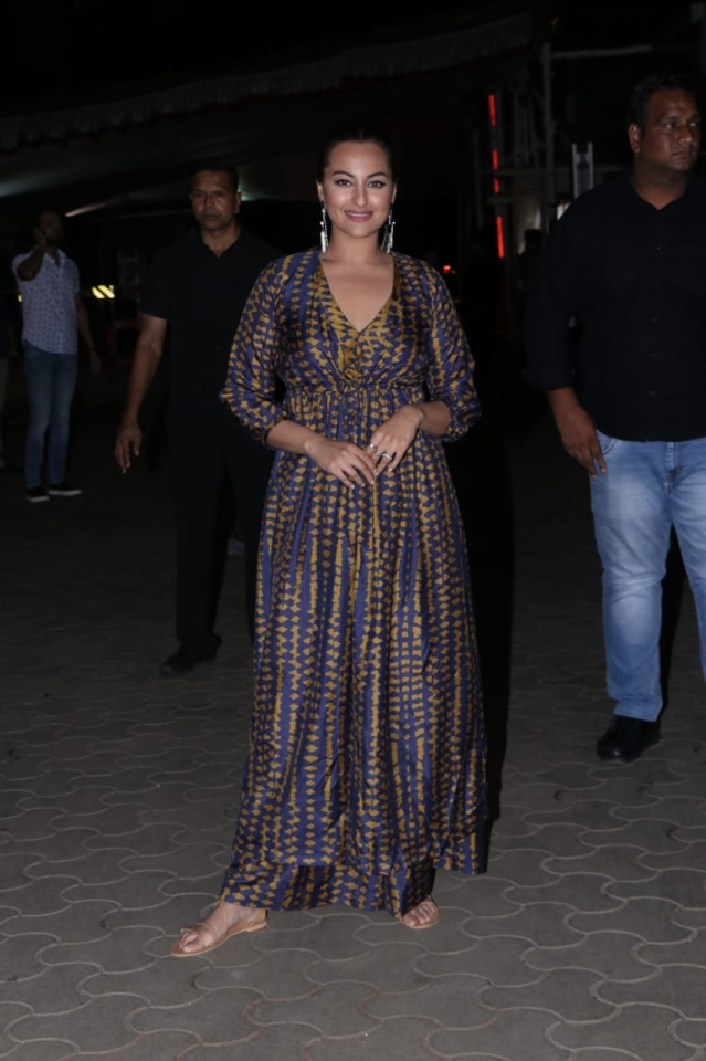 Sonkashi Sinha was seen in a full lengh yellow and blue ensemble.