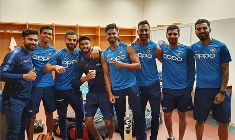 Ravindra Jadeja, Navdeep Saini, Khaleel Ahmed, Shreyas Iyer, Krunal Pandya, Bhuvneshwar Kumar and K.L. Rahul can be seen posing alongside Kohli.