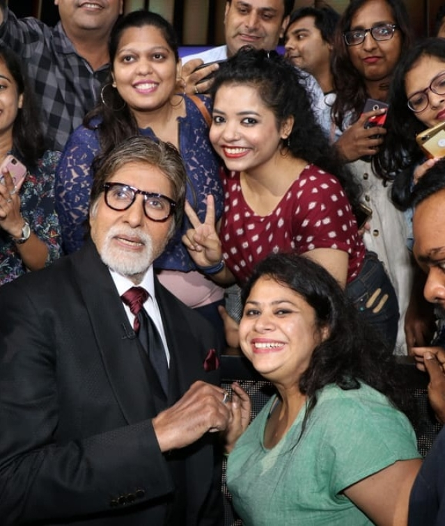 Big B Amitabh Bachchan was at KBC press meet where he happily clicked with his fans on sets of 'Kaun Banega Crorepati'.