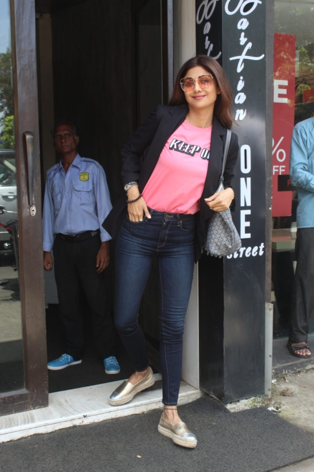 Shilpa Shetty snapped at Bastian in Bandra