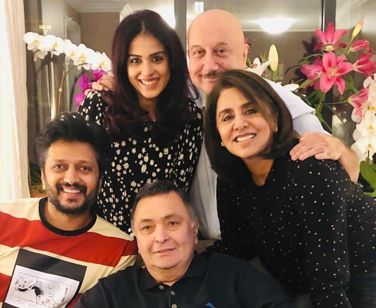 Rishi Kapoor enjoys 'ghar ka khana' with Riteish, Genelia while in New York