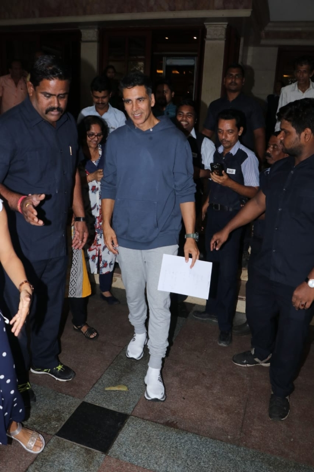 Akshay Kumar, Sonakshi Sinha, Taapsee Pannu and Vidya Balan were also snapped at Radio City office for the promotion of 'Mission Mangal'.