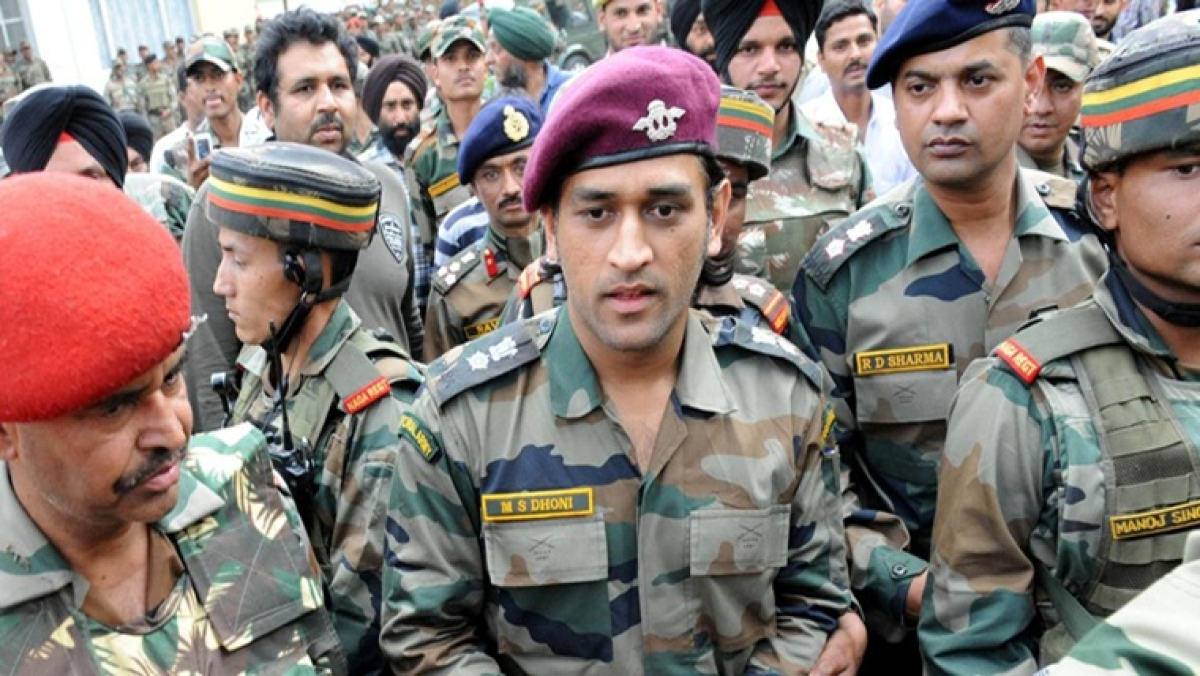 Watch! Video of MS Dhoni 'shooting' in Kashmir goes viral