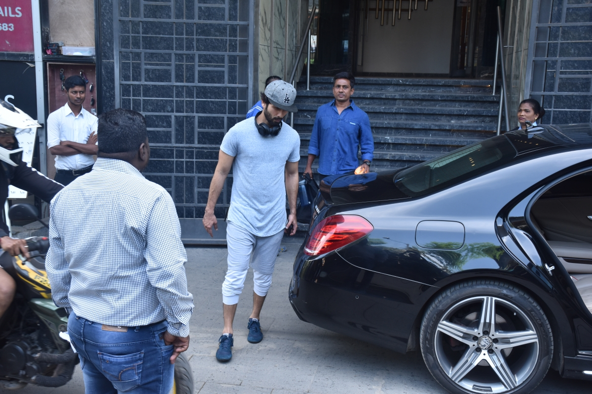 Shahid Kapoor continues to follow his fitness regime as he was snapped at gym in Juhu.