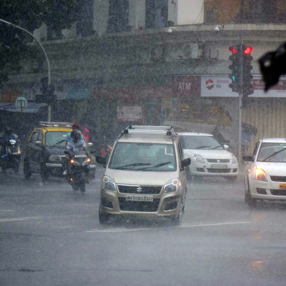Heavy rains lash Pune, several areas waterlogged