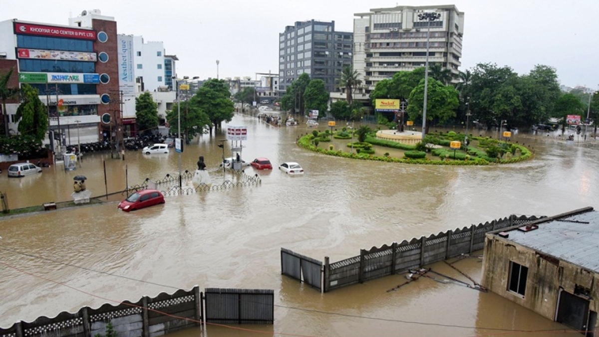 Gujarat: Five killed as unprecedented rain batters Vadodara; 5,700 evacuated so far