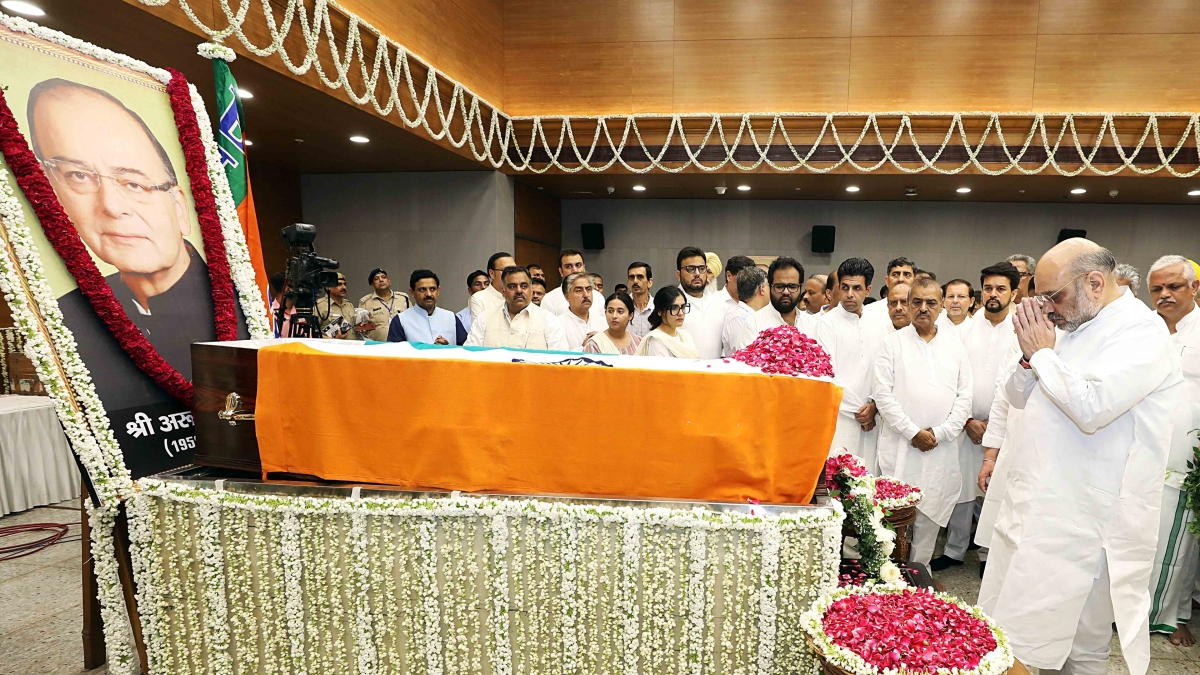 Union Home Minister Amit Shah pays the last respect to former Finance Minister Arun Jaitley on his demise at the age of 66, at BJP Headquarters in New Delhi