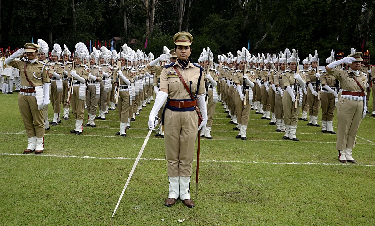 Female police contingent take part during the 73rd Independence Day celebration in Srinagar