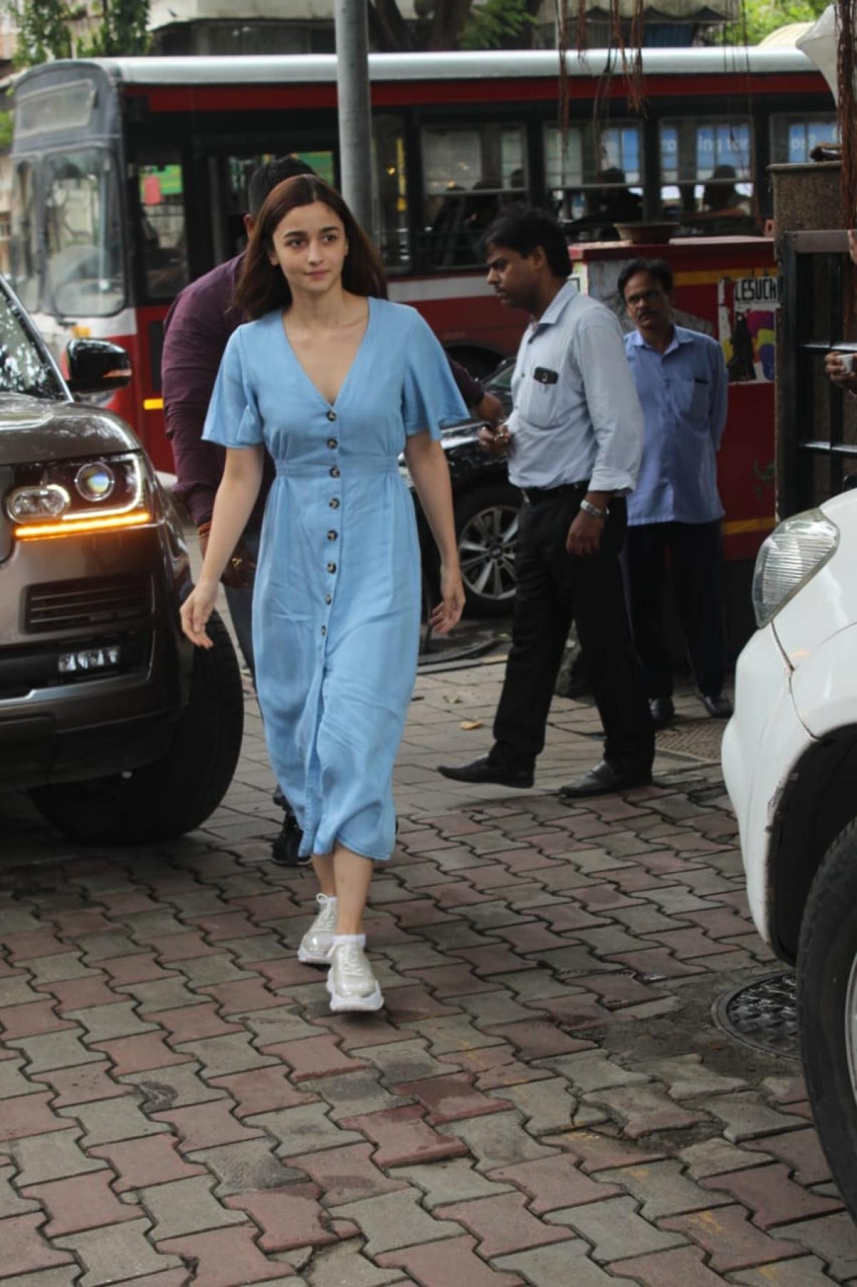Alia Bhatt spotted at Vishesh office
