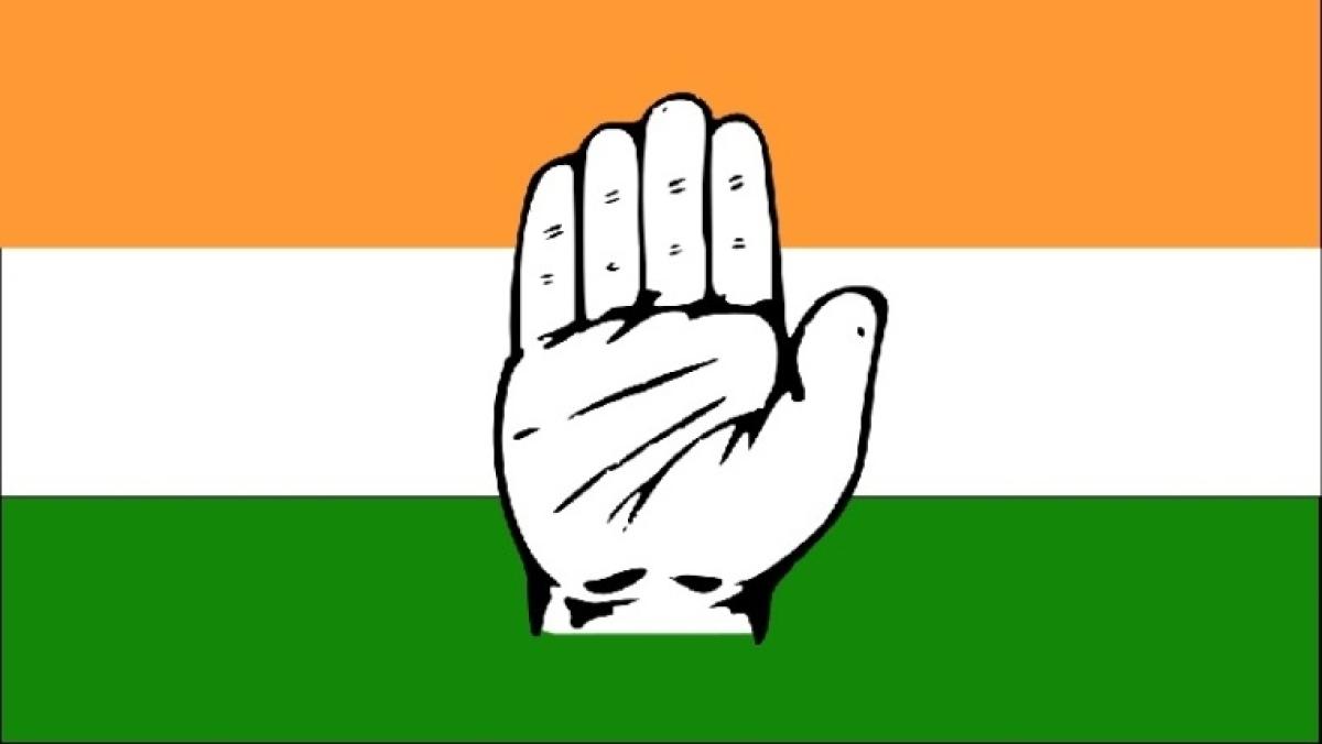 Declare a financial emergency: Congress