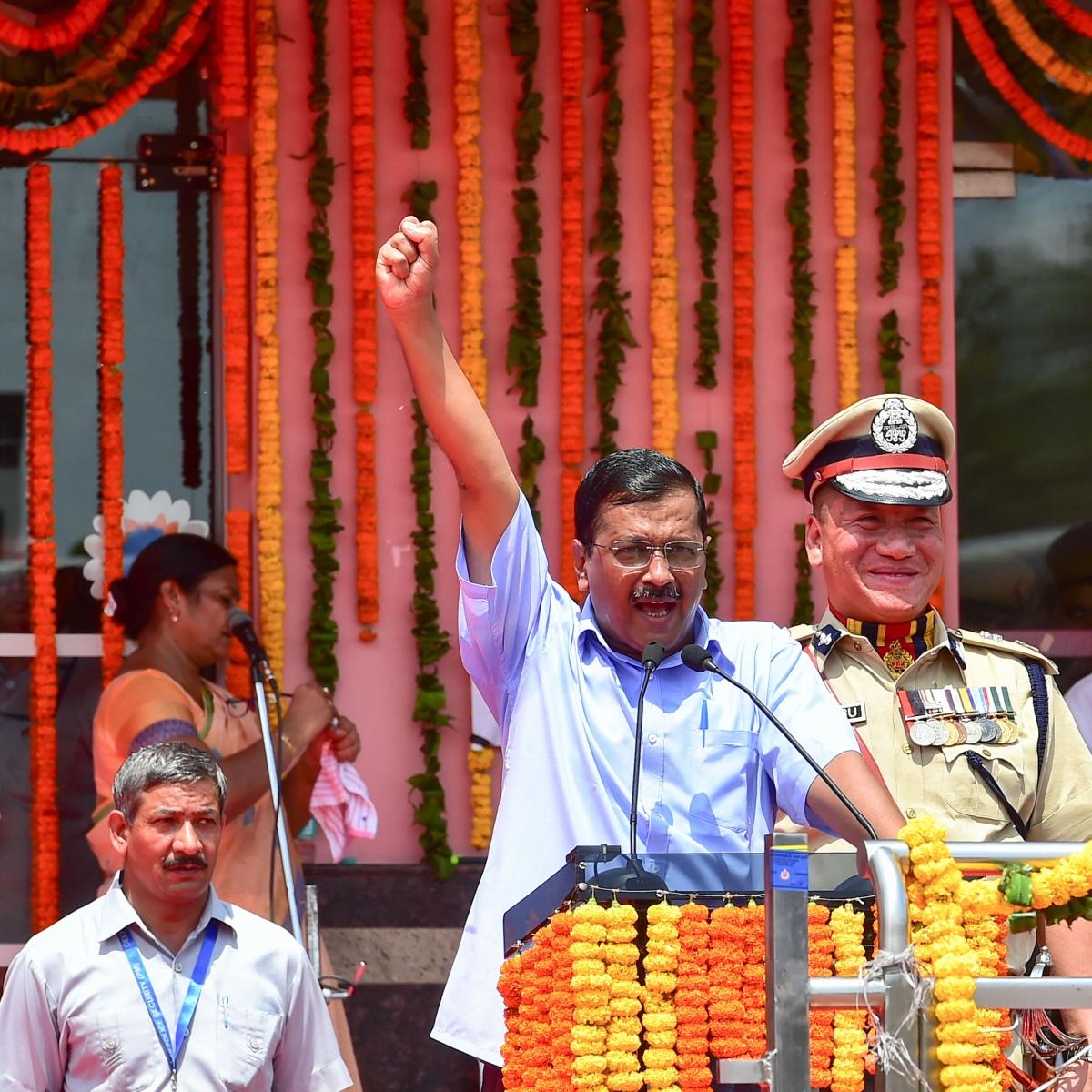 Arvind Kejriwal turns 51, Narendra Modi greets him