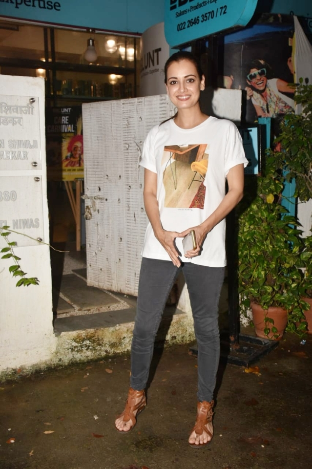 Actress Dia Mirza was caught by lenses at a B blunt Salon in Khar. She was spotted sporting a casual look for the outing.