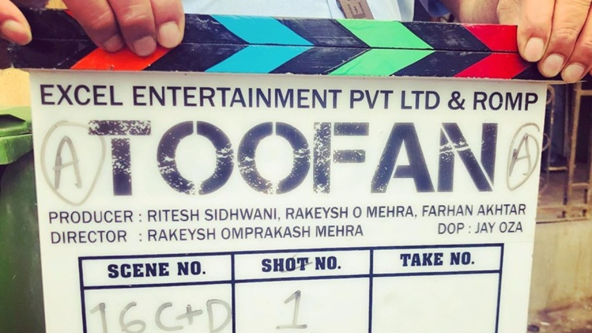 After intense boxing training, Farhan Akhtar finally begins shooting for 'Toofan'