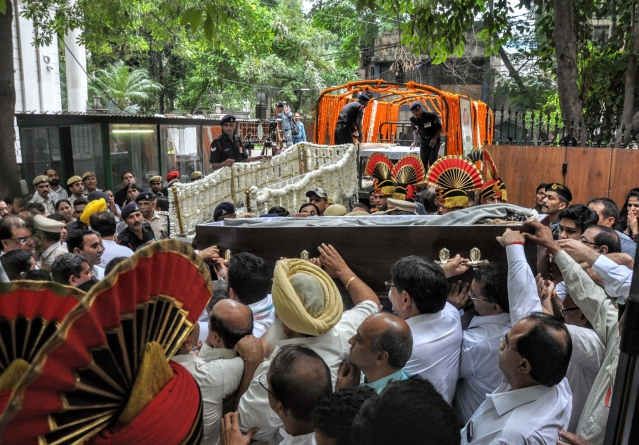 Mortal remains of the Former Finance Minister Arun Jaitley being taken to BJP headquarters from his residence in New Delhi