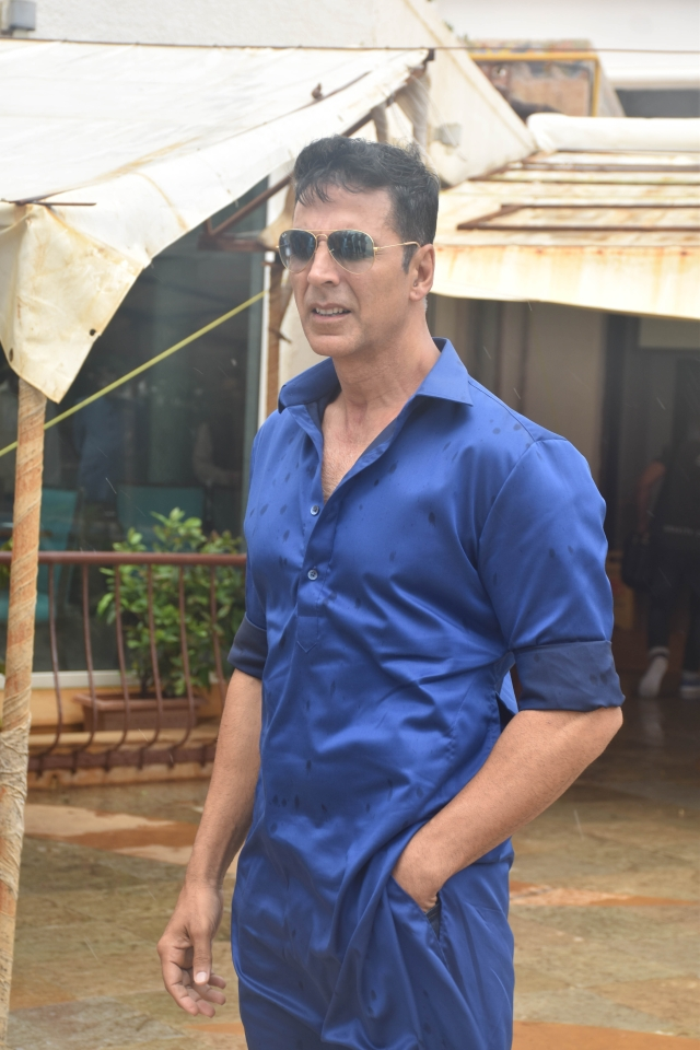 Akshay Kumar is busy with his next release Mission Mangal and was spotted post promotions in all traditional look.