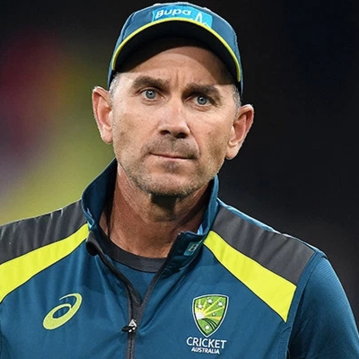 Plenty of hand sanitizers in Aussie kits: Coach Justin Langer insists on handshakes amid coronavirus scare