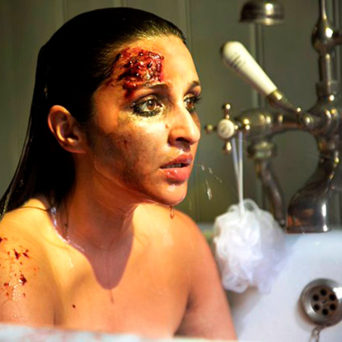 Parineeti Chopra looks bruised and scared in the first look of 'The Girl On The Train'