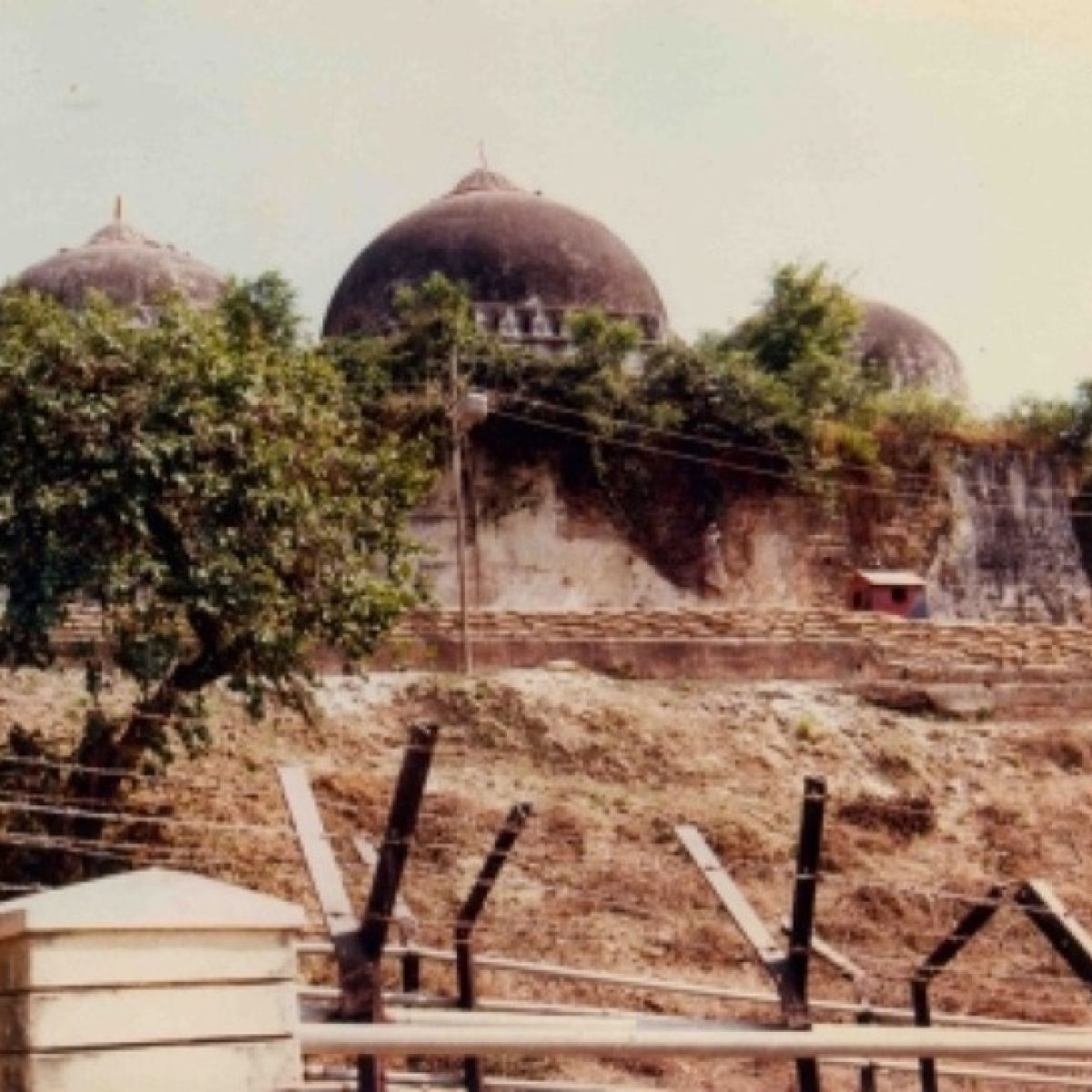 Muslim Personal Law Board to challenge Babri verdict in HC