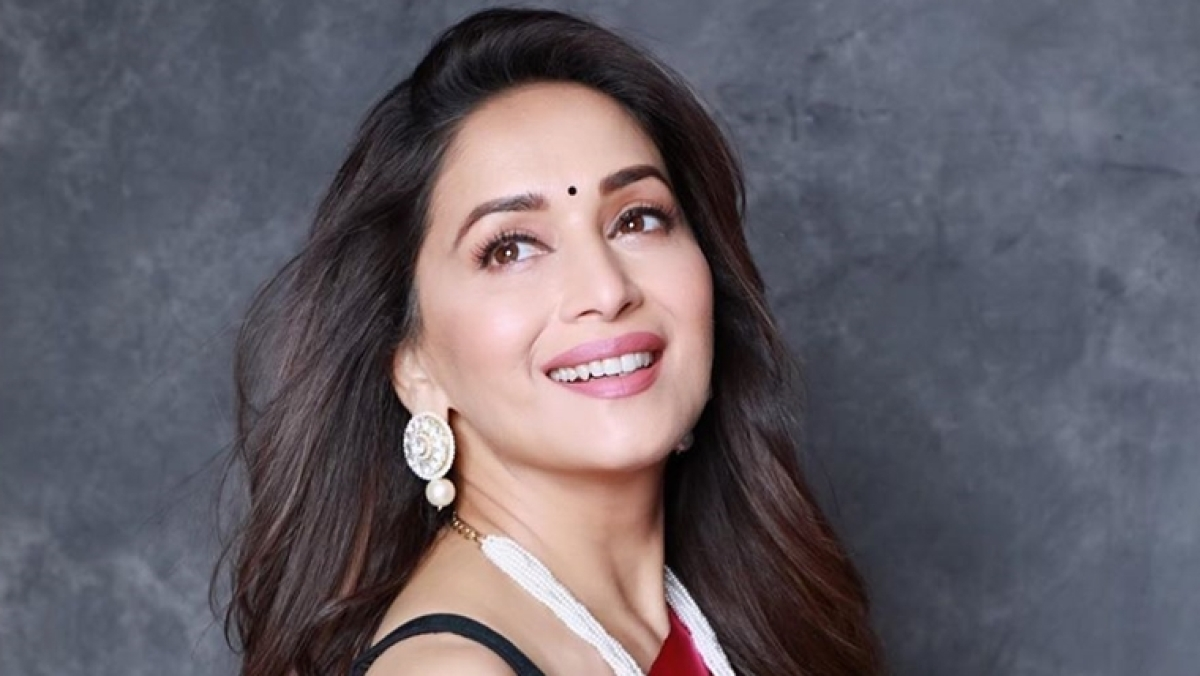 'Dhak Dhak' girl Madhuri Dixit turns 53, wishes pour in from B-town celebs