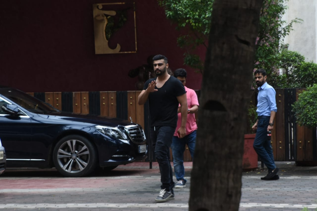'India's Most Wanted' actor Arjun Kapoor caught by paps outside the YRF office in Mumbai.