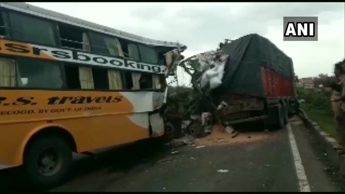 Maharashtra: At least 6 dead, 10 injured in bus collision on Pune-Bengaluru Highway