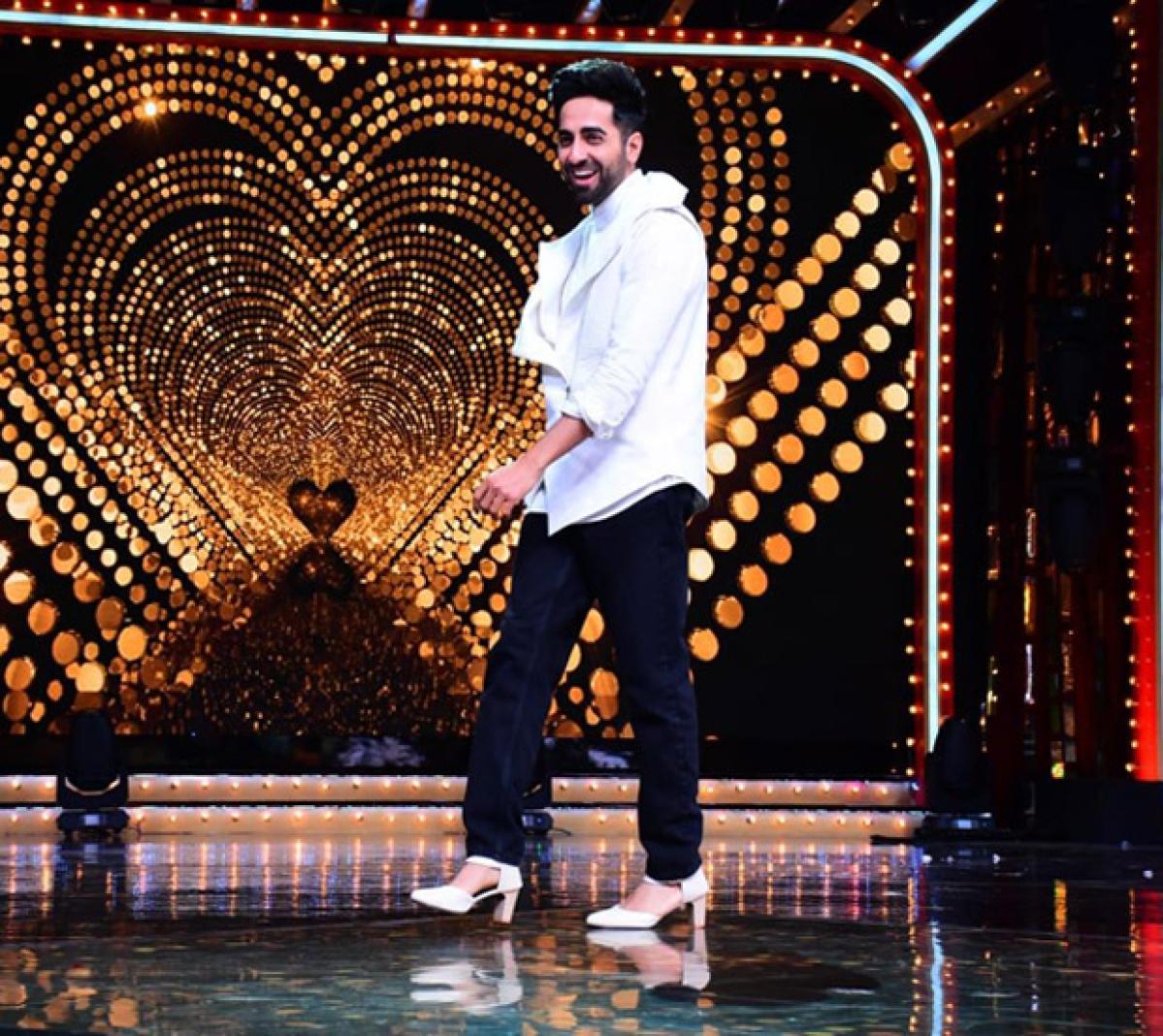 Watch Ayushmann Khurrana dance in high heels to Dream Girl's 'Dil Ka Telephone'