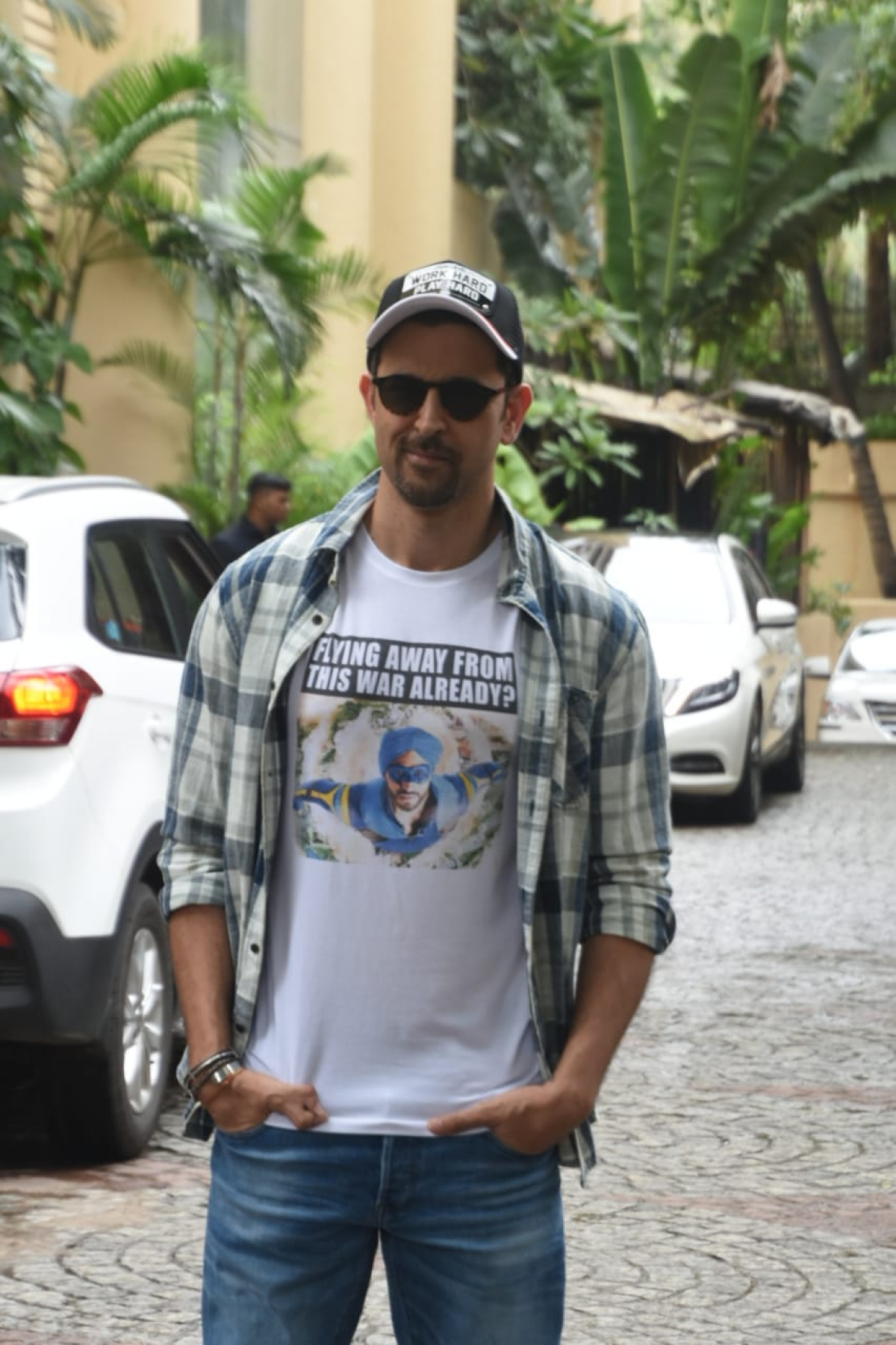 Hrithik roshan snapped in the city