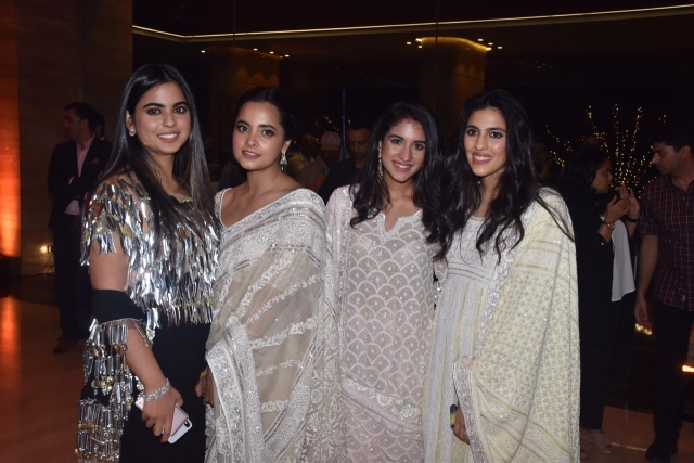In Pics: Ambanis and Bachchans attend the Abu Jani - Sandeep Khosla Fashion show