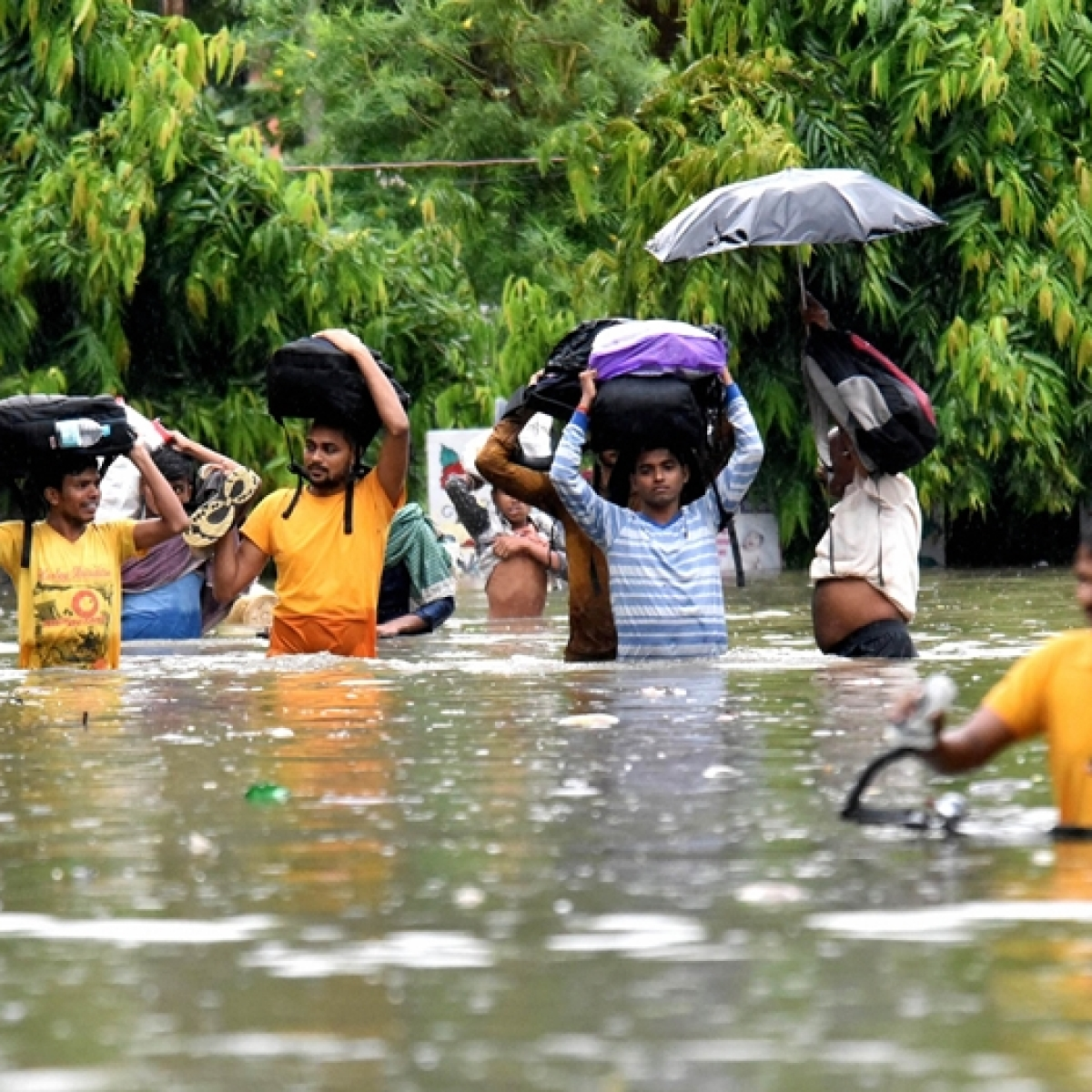 "Heavy rains in Bihar kill 24, state government issues ""red alert"""