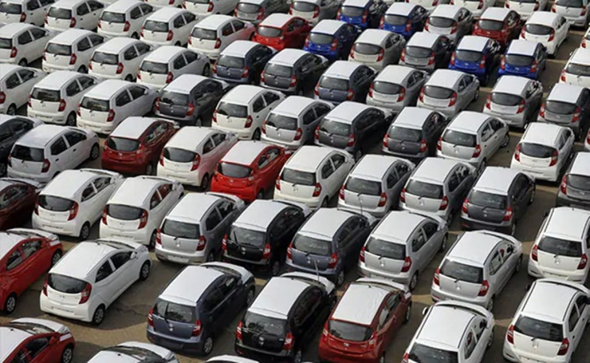 Passenger vehicle sales decline for 10th straight month; down 31.57 percent in August