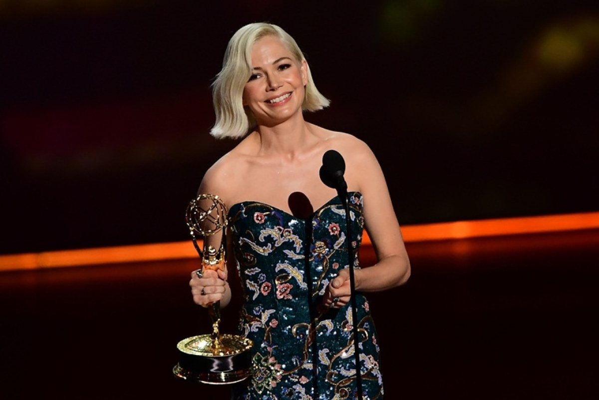 'Fosse/Verdon' star Michelle Williams demands pay equality at Emmys 2019 stage