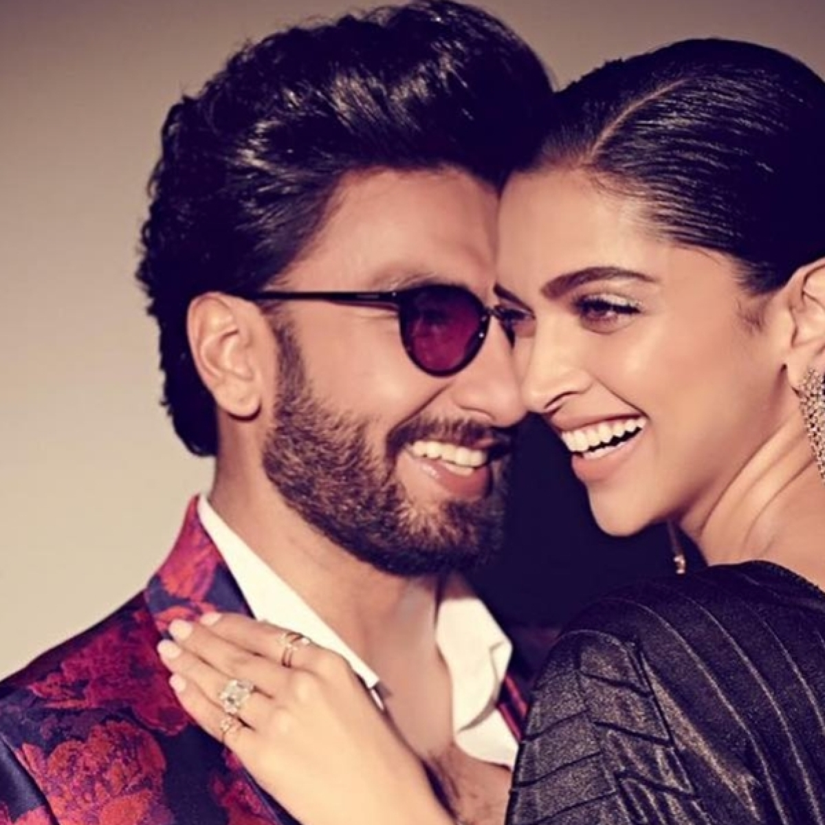Ranveer Singh calls wife Deepika Padukone 'so sexy' in this latest picture