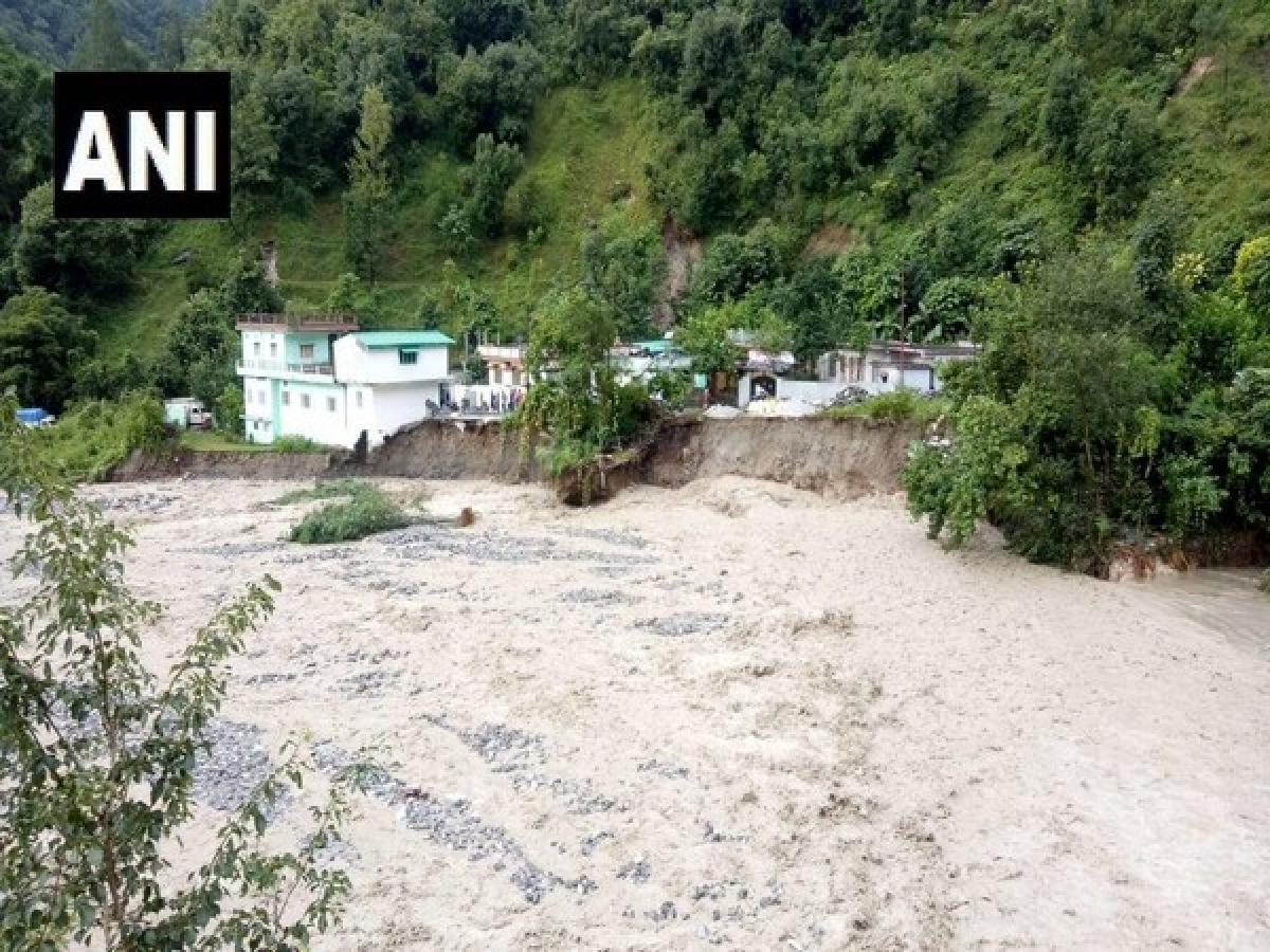 Uttarakhand: Landslide disrupts normal life severely