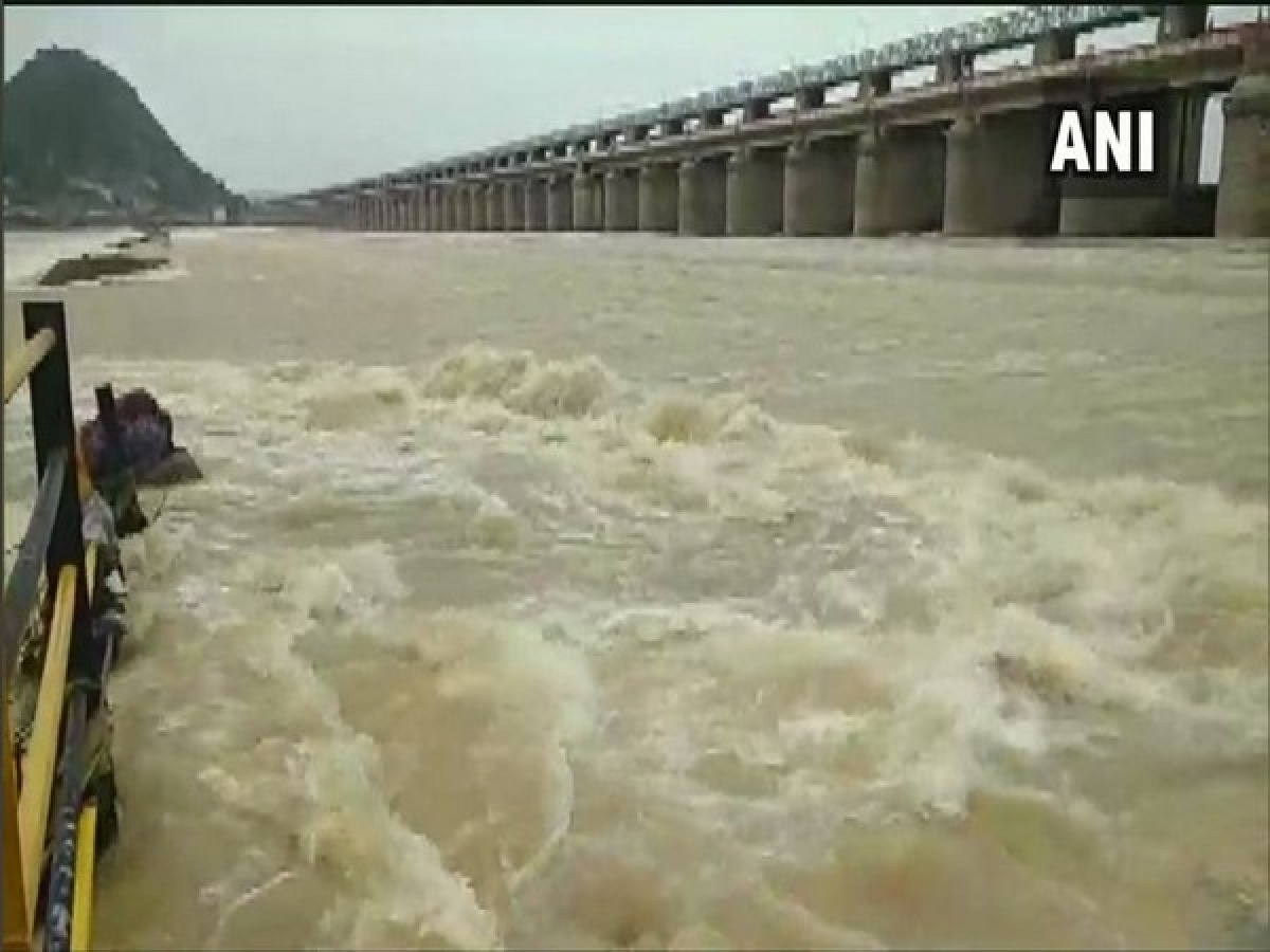 Andhra: Second level warning issued for Godavari, water level rises in Krishna river