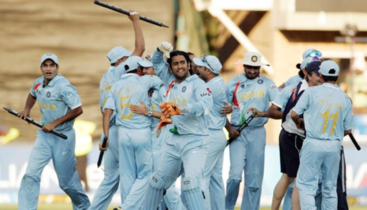 'Dhoni was much calmer in 2013 Champions Trophy than in 2007 World T20': Irfan Pathan