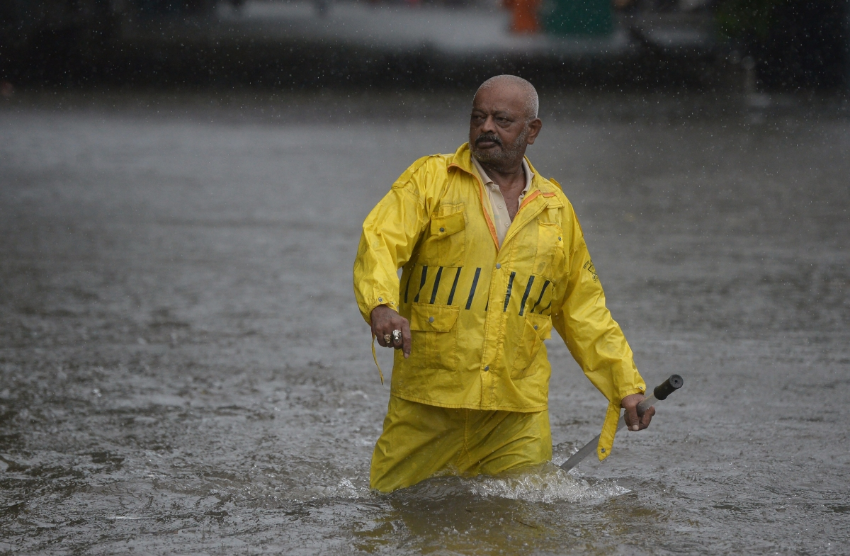 Police identify over 100 flooding spots in Mumbai, draw list of traffic diversions