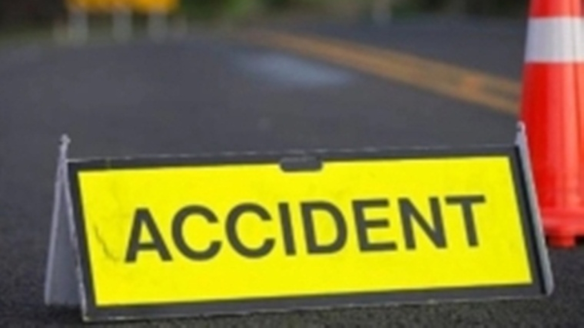 Gujarat: Two college students killed in accident