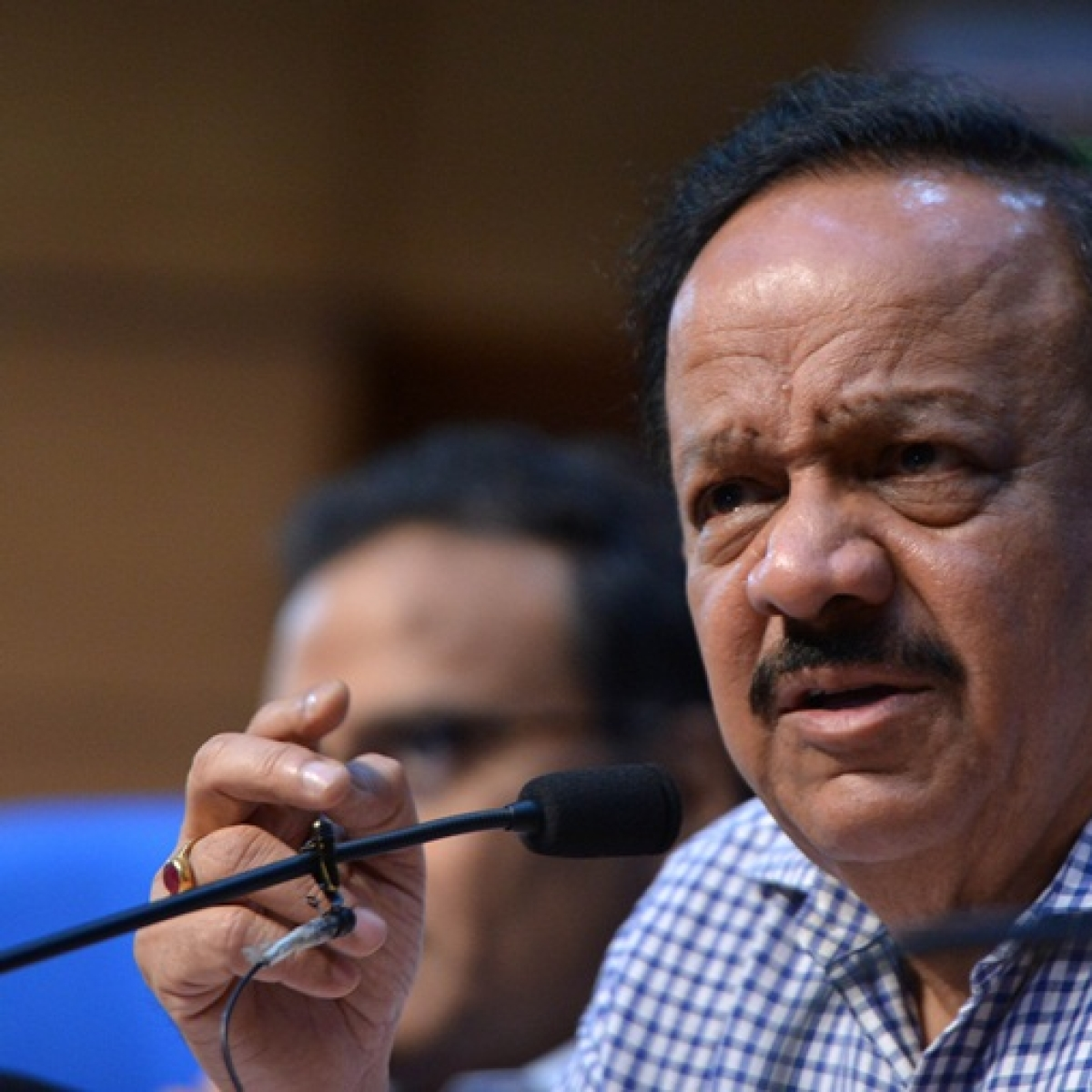 Health Minister Harsh Vardhan orders 'immediate replacement' of Medical Superintendent of AIIMS Trauma Centre