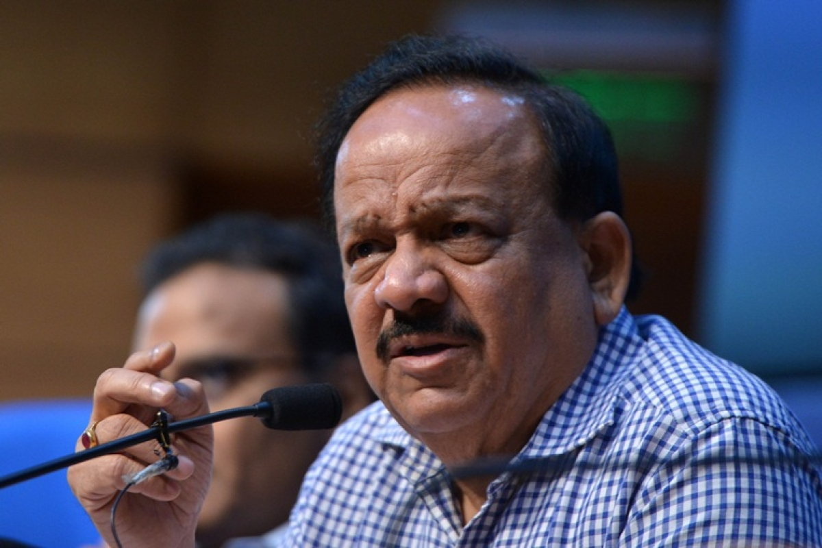Coronavirus Updates: Harsh Vardhan busts fake WhatsApp forwards 'exhorting people to come outdoors after 9 pm' on Janta Curfew