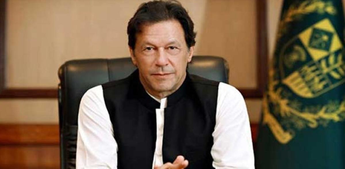 Imran Khan admits Pakistan can lose war