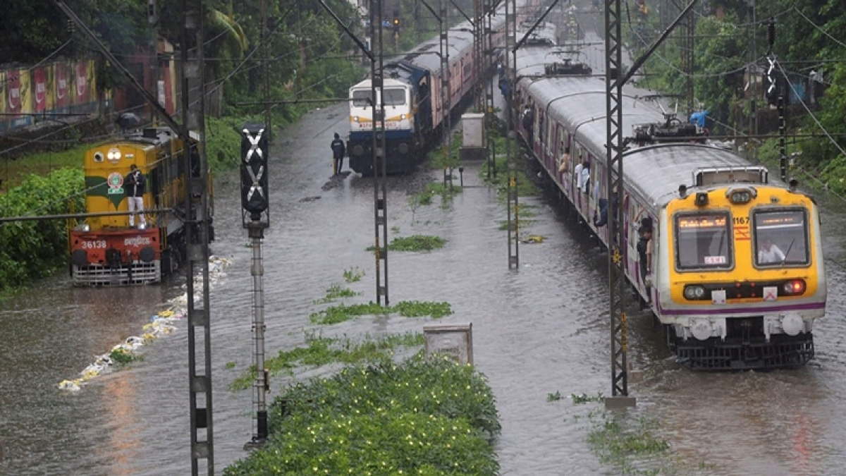 Train services restart in Mumbai after water level recedes