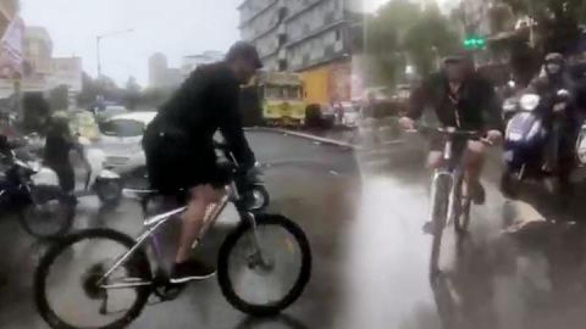 Amid Mumbai Rains, Salman Khan cycles his way to 'Dabanng 3' sets