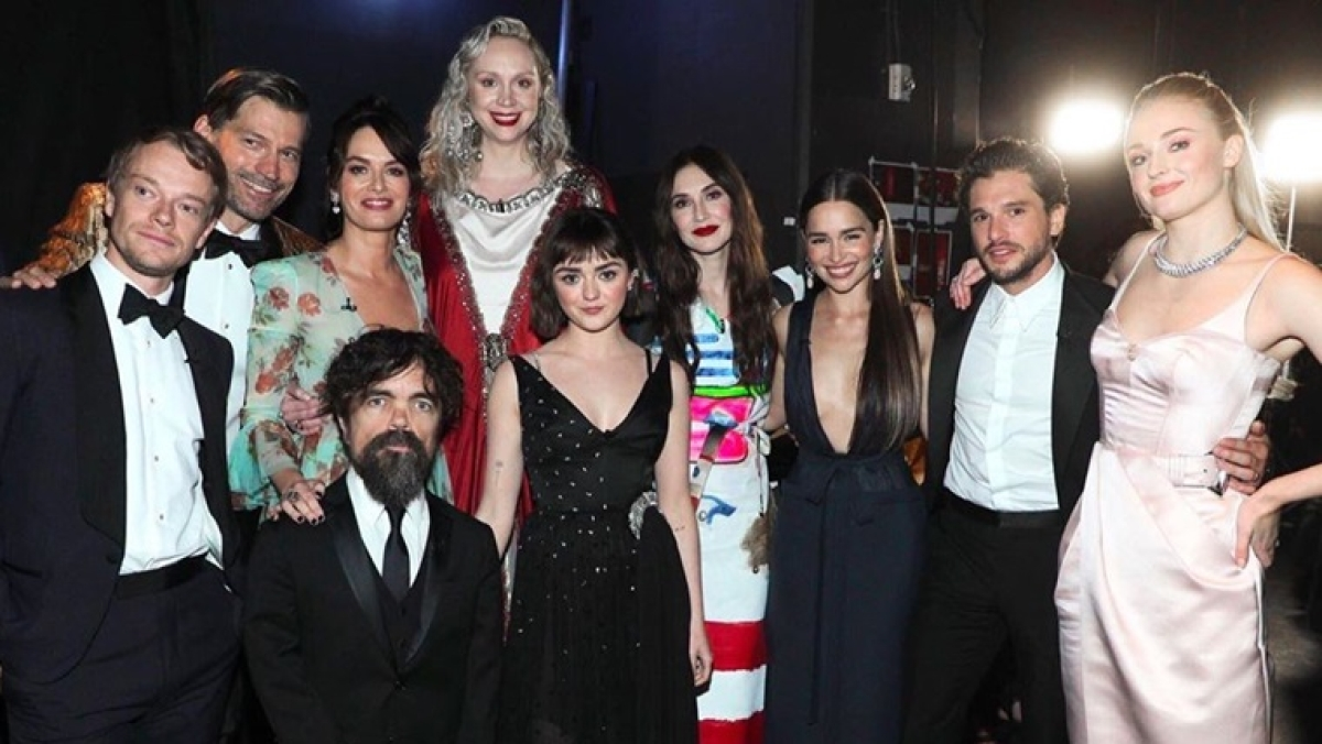 'Game of Thrones' cast gets a standing ovation at Emmys 2019