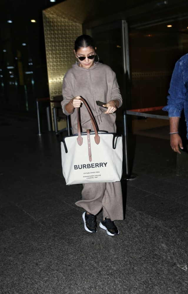 Anushka Sharma's giant Burberry tote costs a whopping Rs 92,000!