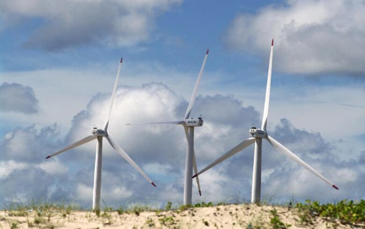Suzlon Energy dives by 9% even as company denies reports of filing for bankruptcy