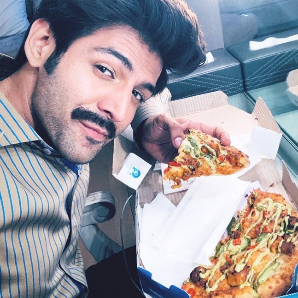 Bhumi Pednekar ruins Kartik Aaryan's 'full-on diet', sends a box of pizza