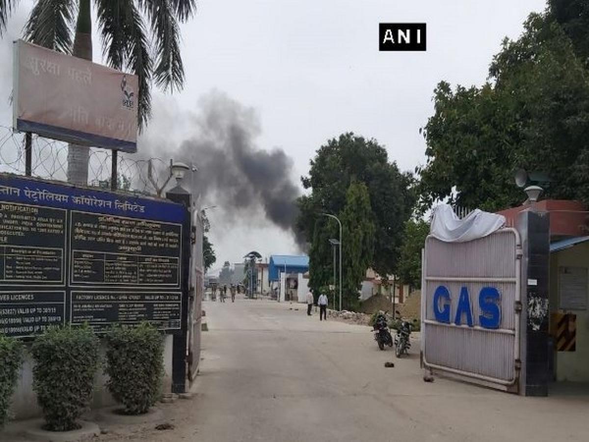 Uttar Pradesh: Gas tank explodes at Hindustan Petroleum Corporation Plant in Unnao