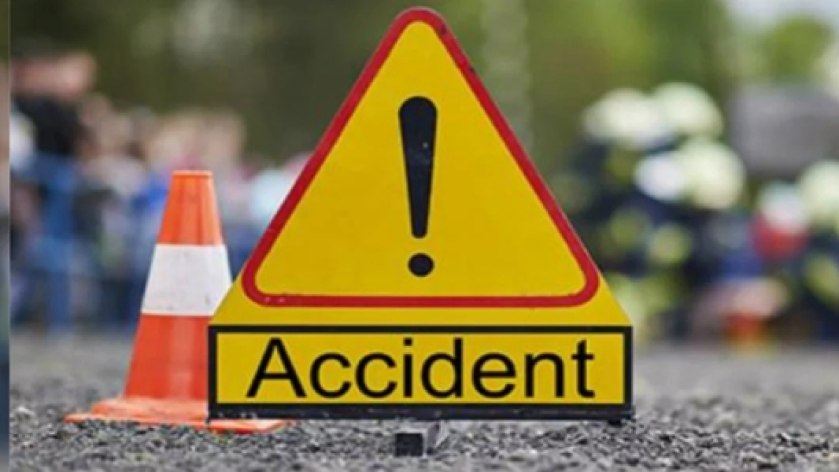 Indore: Youth killed in road accident, friends injured